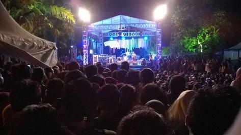 Dewa Bujana Live